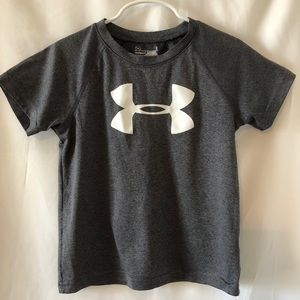 Under Armour boys T shirt size 5